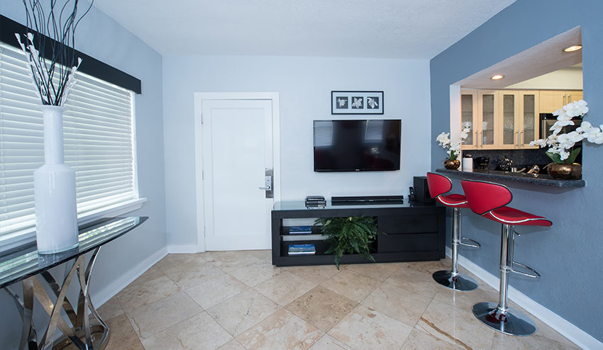 Palm Suite Living Room