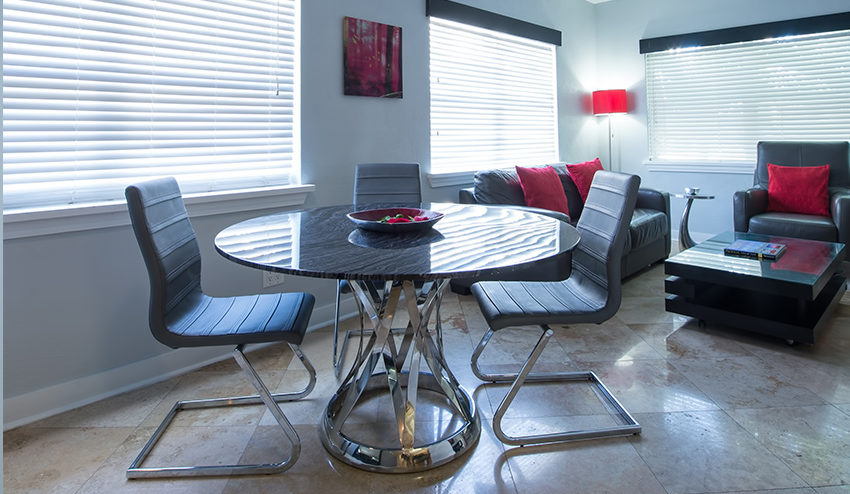 Palm Suite Dining Table